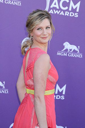 Jennifer Nettles 2012 ACM Awards