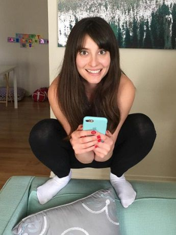 Allison Raskin 2017 Acting at Home