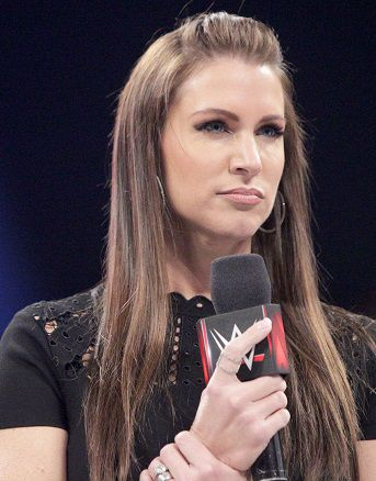 Stephanie Mcmahon 2016 Wwe Raw Commentating